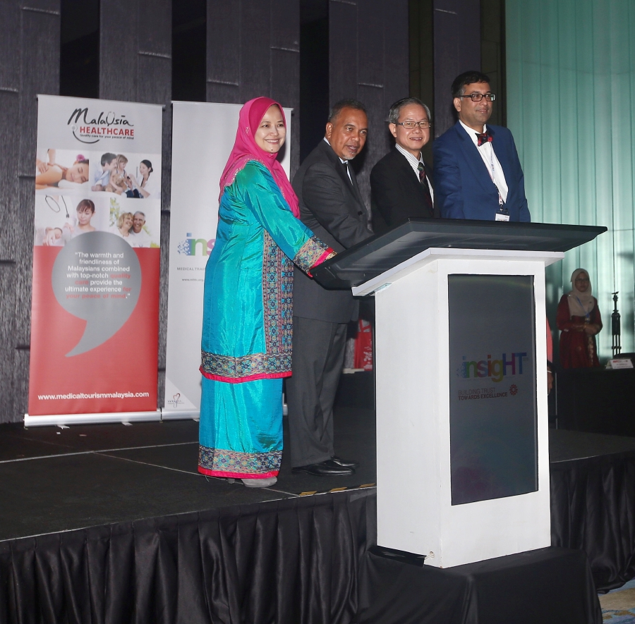 (From left) Malaysia Healthcare Travel Council (MHTC) chief executive officer Sherene Azli, Deputy Finance Minister Datuk Ir Amiruddin Hamzah, Deputy Health Minister Dr Lee Boon Chye and Association of Private Hospitals Malaysia (APHM) president Datuk Dr Kuljit Singh at the launch of the Insight 2018 Building Trust towards excellence at Aloft Hotel in Kuala Lumpur. Pic by NUR ADIBAH AHMAD IZAM