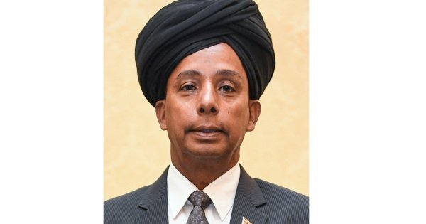 Why did Kulasegaran wear a turban to the Cabinet swearing-in ceremony?