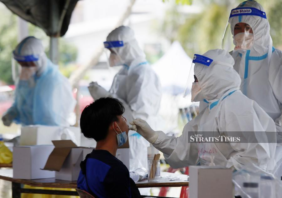 (File pic) The Health Ministry recorded 11 new Covid-19 cases as of noon August 10, 2020, bringing the cumulative total of infections in Malaysia to 9,094. Photo by AMRAN HAMID/NSTP