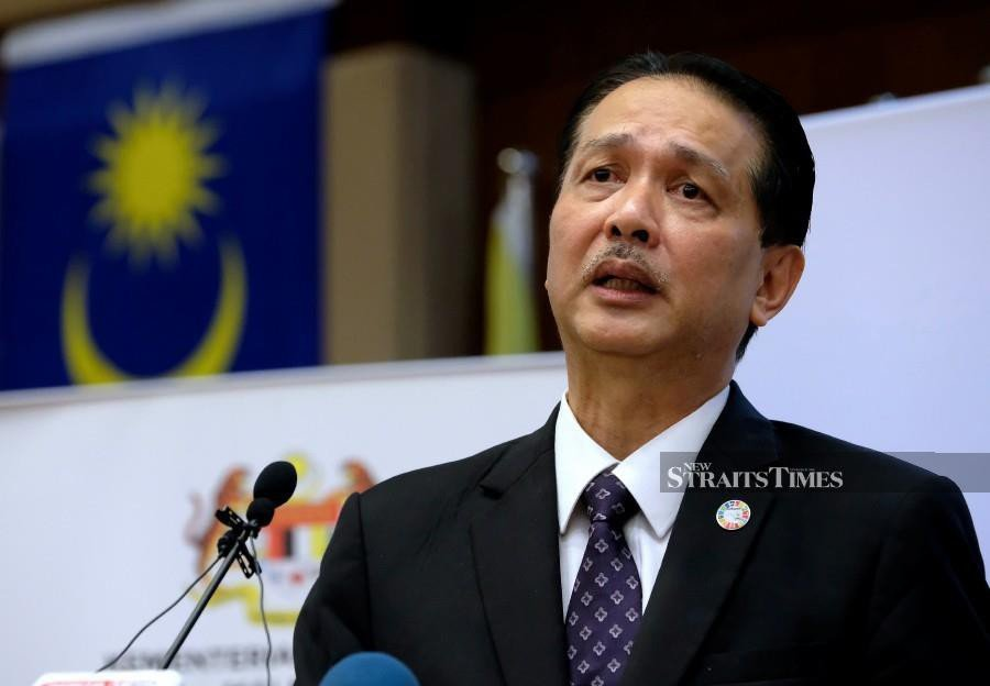 Health director-general Datuk Dr Noor Hisham Abdullah said  reminded the public that although visits are now allowed, standard operating procedures, including observing physical distancing, must be adhered to. BERNAMA photo
