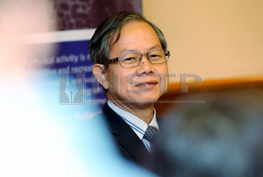 (File pix) Deputy Health Minister Dr Lee Boon Chye said currently there were only 5,098 specialist government doctors and the majority of them were in the cities. NSTP/ Khairunisah Lokman