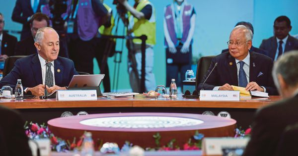 KL leads talks on global issues
