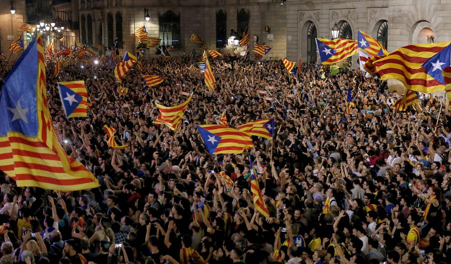Spanish PM dissolves Catalan Parliament
