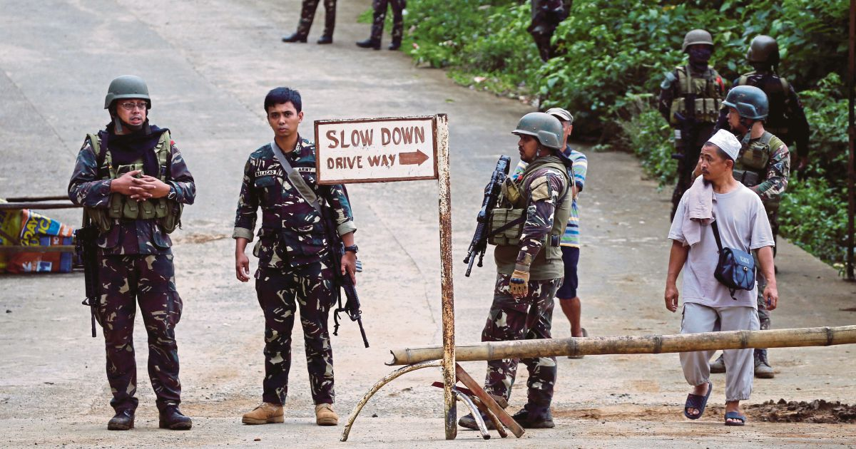 Philippine Muslims fear Marawi fighting may deepen ...