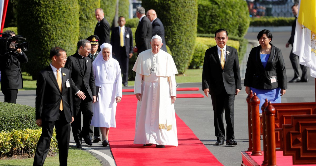 Pope Francis embraces Thailand's efforts in building harmony