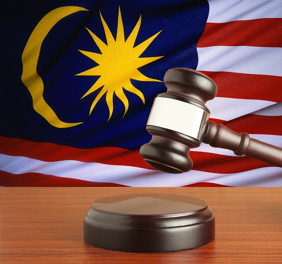The Federal Court ordered ex-Selangor Chin Woo Athletic Association president Datuk Chong Tho Chin to pay RM150,000 to another of the association's ex-president Datuk Dr Low Bin Tick.