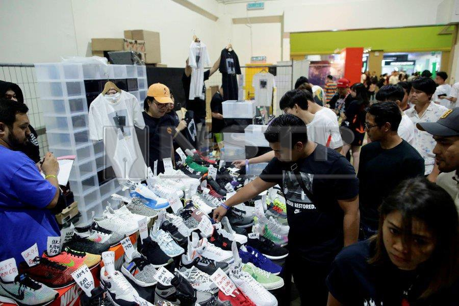 9f01df23bc6 Sneakerlah was a place for sneakerheads to find everything about sneakers  including shoe accessories and shoe care products. (Picture credit   NSTP Syarafiq ...