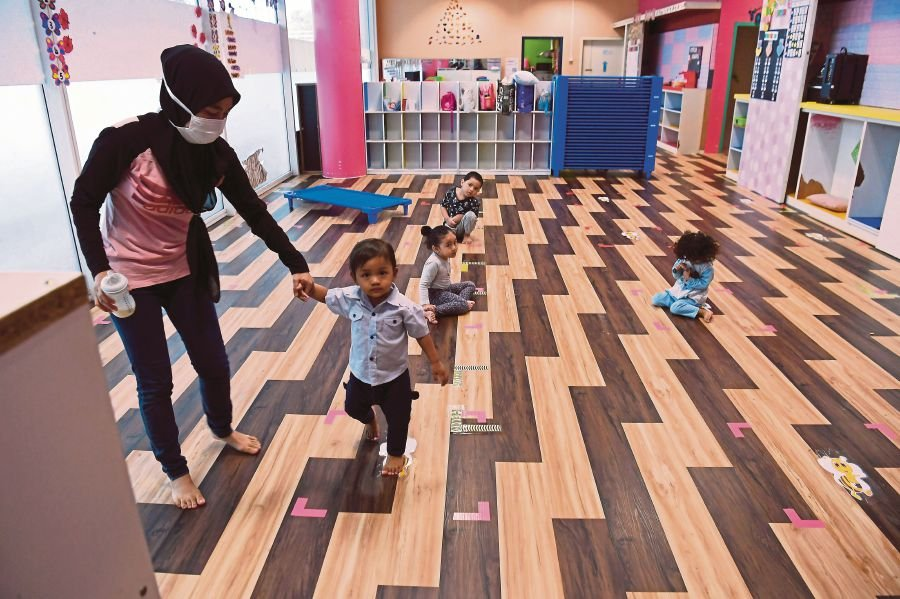 Private kindergartens are entitled to a grant worth RM5,000 each.