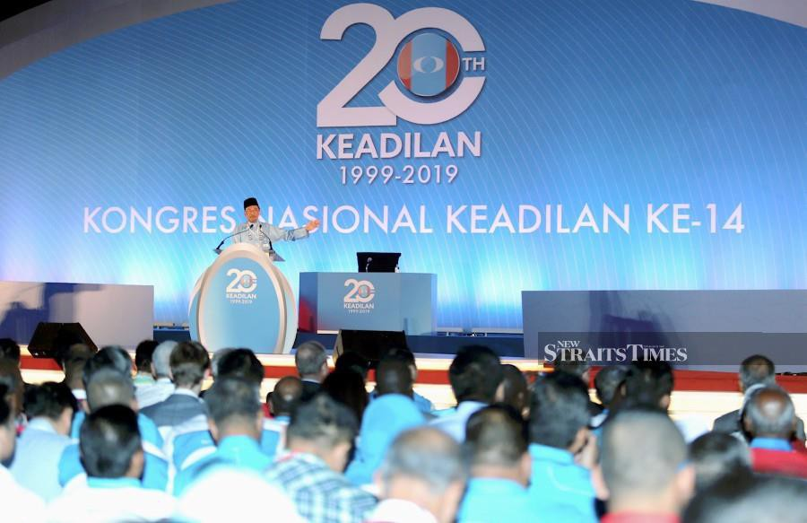 PKR president Datuk Seri Anwar Ibrahim speaking at the 14th National Congress of Justice at the Malacca International Trade Center (MITC), Ayer Keroh. -NSTP/RASUL AZLI SAMAD