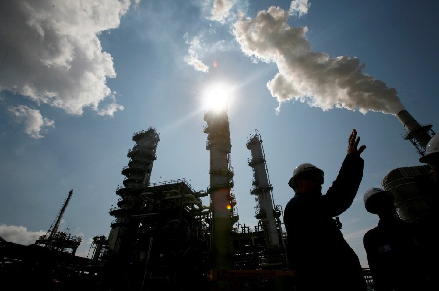 Brent oil back to $80 as supply concerns mount