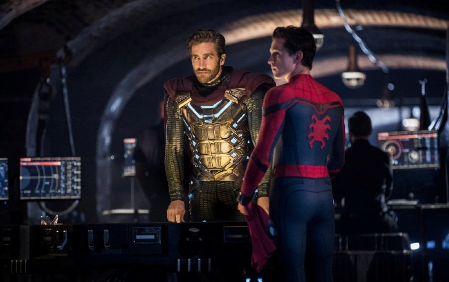 Jake Gyllenhaal (left) plays an enigmatic superhero, simply called Mysterio, who is out to save the world. Picture courtesy of Sony Pictures Entertainment (Malaysia)