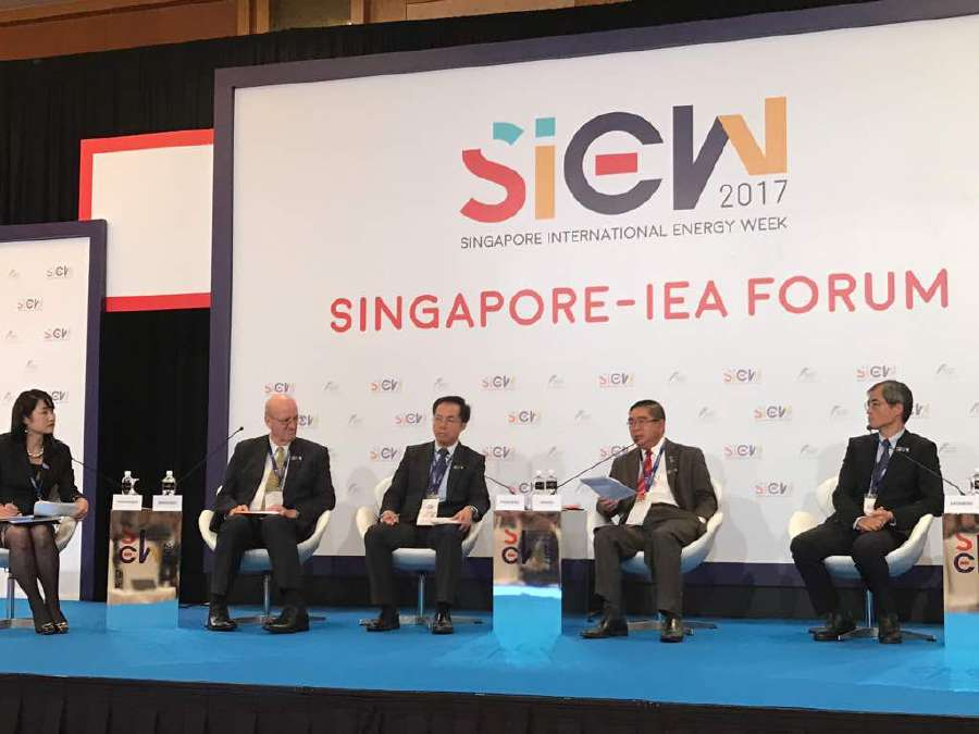 Energy, Green Technology and Water Minister Datuk Seri Dr Maximus Ongkili shares Malaysia's views on promoting the growth of the clean energy sector and adoption of green technologies in the region during the Energy Investment Challenge in Asia - Powering Growth while Financing the Clean Energy Transition Forum at the Singapore International Energy Week 2017.