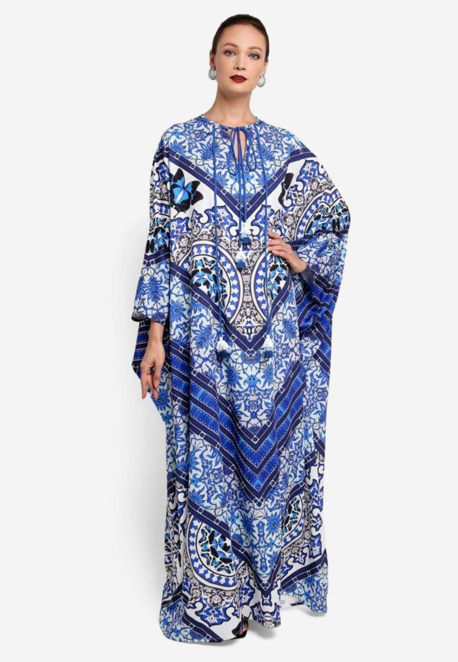 Kaftan for women who want something super-versatile.