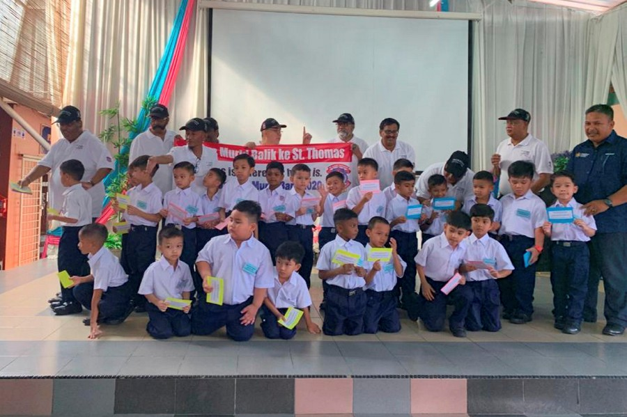 The old boys of SMK St Thomas, here, are pinning their hopes on the King to come to the rescue in their bid to retain the school's name. (Pix courtesy of St Thomas former students )
