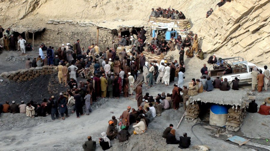 Pakistan coal mine collapse kills 16 near Quetta