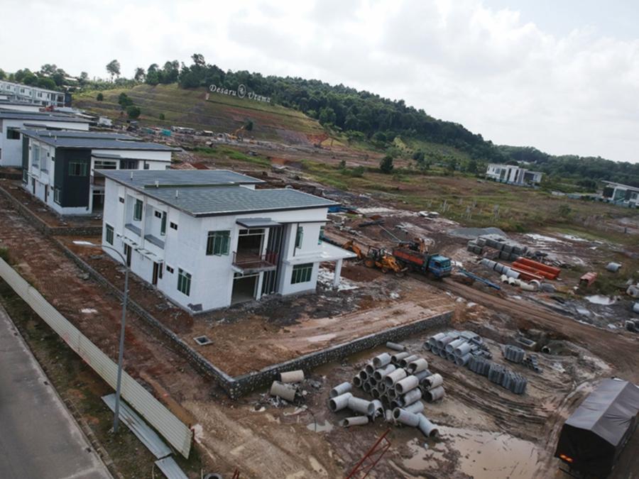 Semi-detached houses now being built in Desaru Utama by SKS Group.