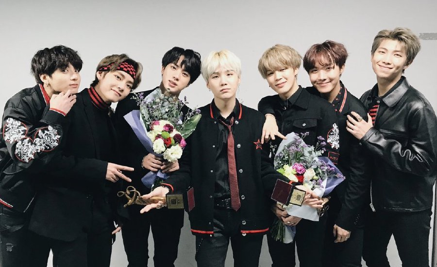 Bts Winning Streak Continued Last Night When It Bagged The Top Award At The Th Seoul Music Awards Pix From Soompi Io