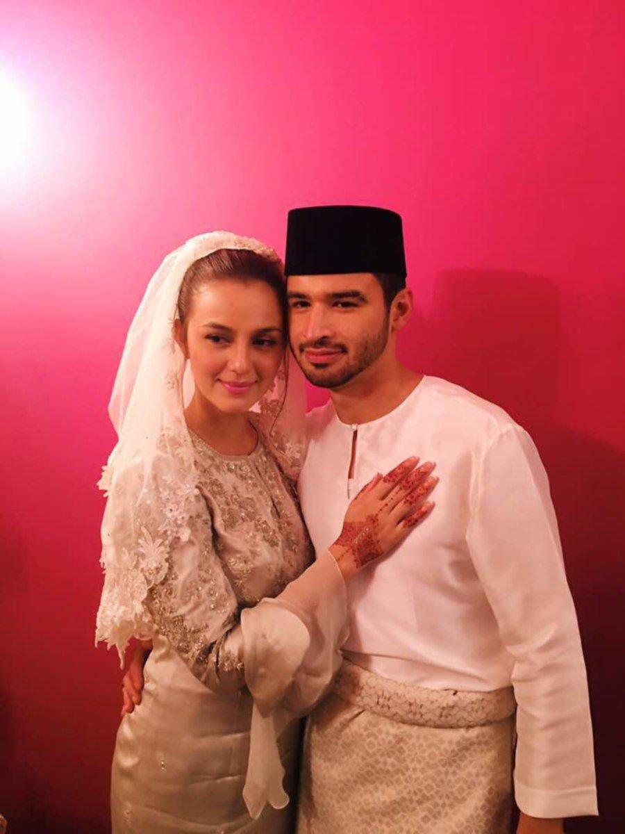 Actress Juliana Evans Weds Royalty In Intimate Ceremony New Sweater Anak Laki Rbj347 Tengku Shariffuddin Shah Sulaiman Al Hajj With His Wife