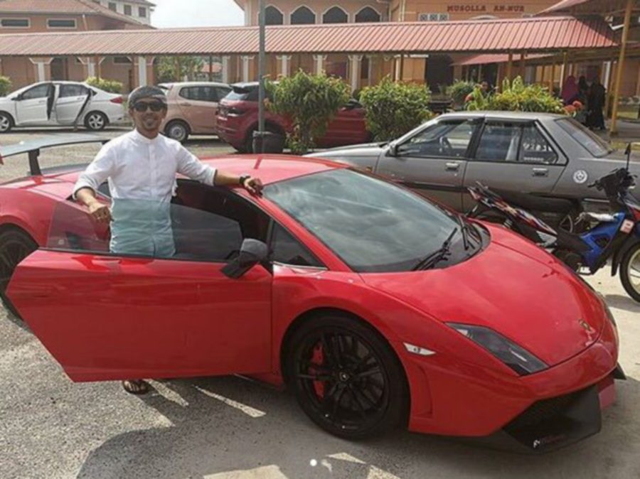 Comedian Shuib Sepahtu Sporting A Lamborghini Dream Car New