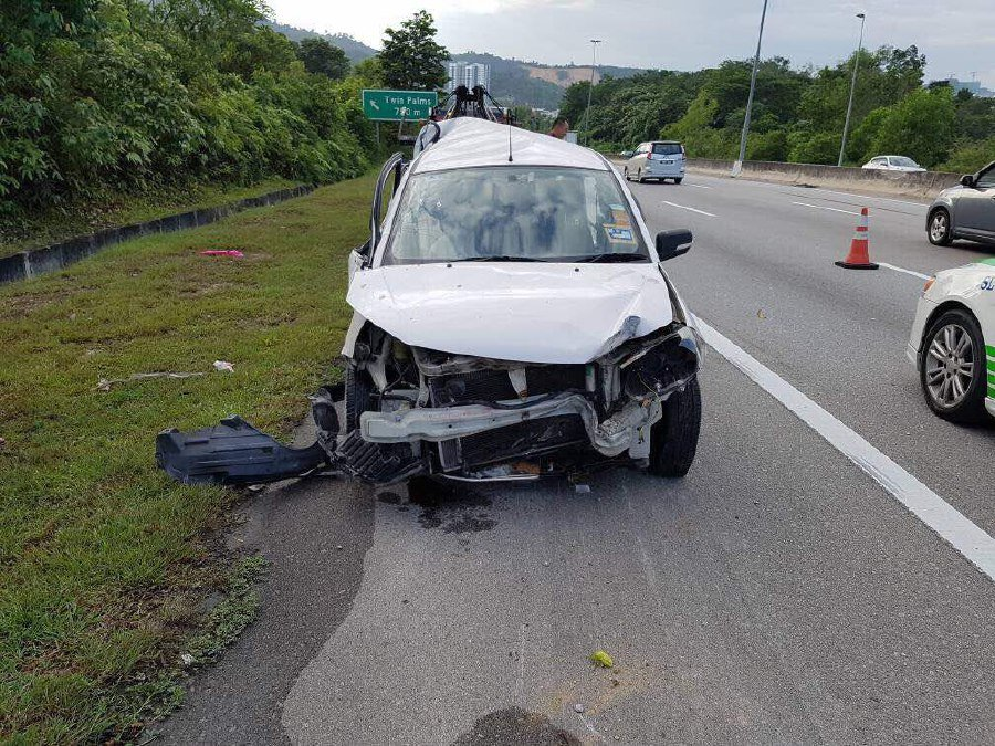Woman killed in crash with getaway car used by robber | New Straits