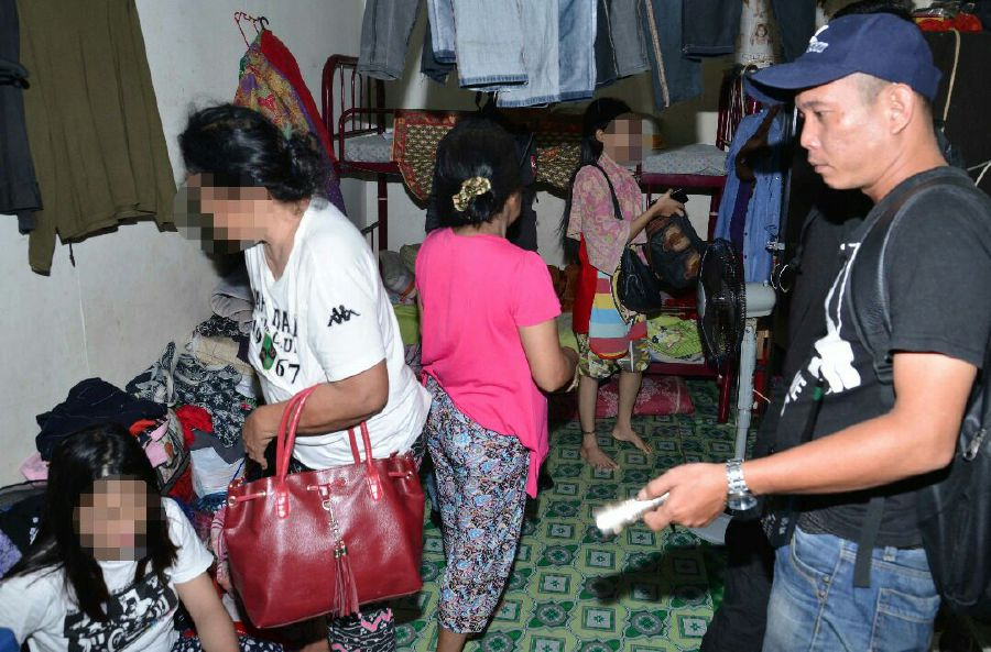 Of those arrested, 26 were Filipinos. Pix courtesy of police.
