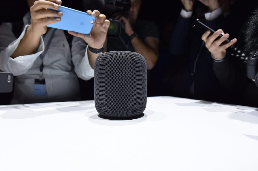 Apple introduces smart compact music speaker