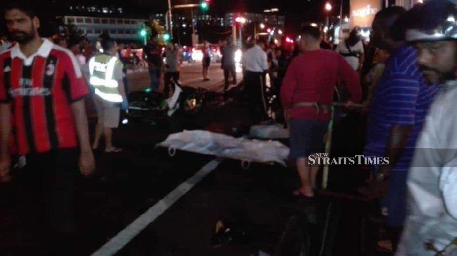 The deceased was a woman aged 41 and a man aged 58. The injured was a 21-year-old man. (NSTP/Courtesy of a reader)