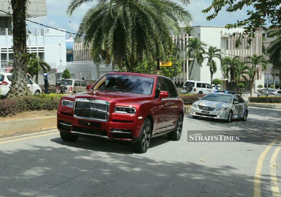 Sultan of Johor Sultan Ibrahim Sultan Iskandar has arrived at the Bangunan Sultan Ibrahim in Bukit Timbalan. -NSTP/ZAIN AHMED