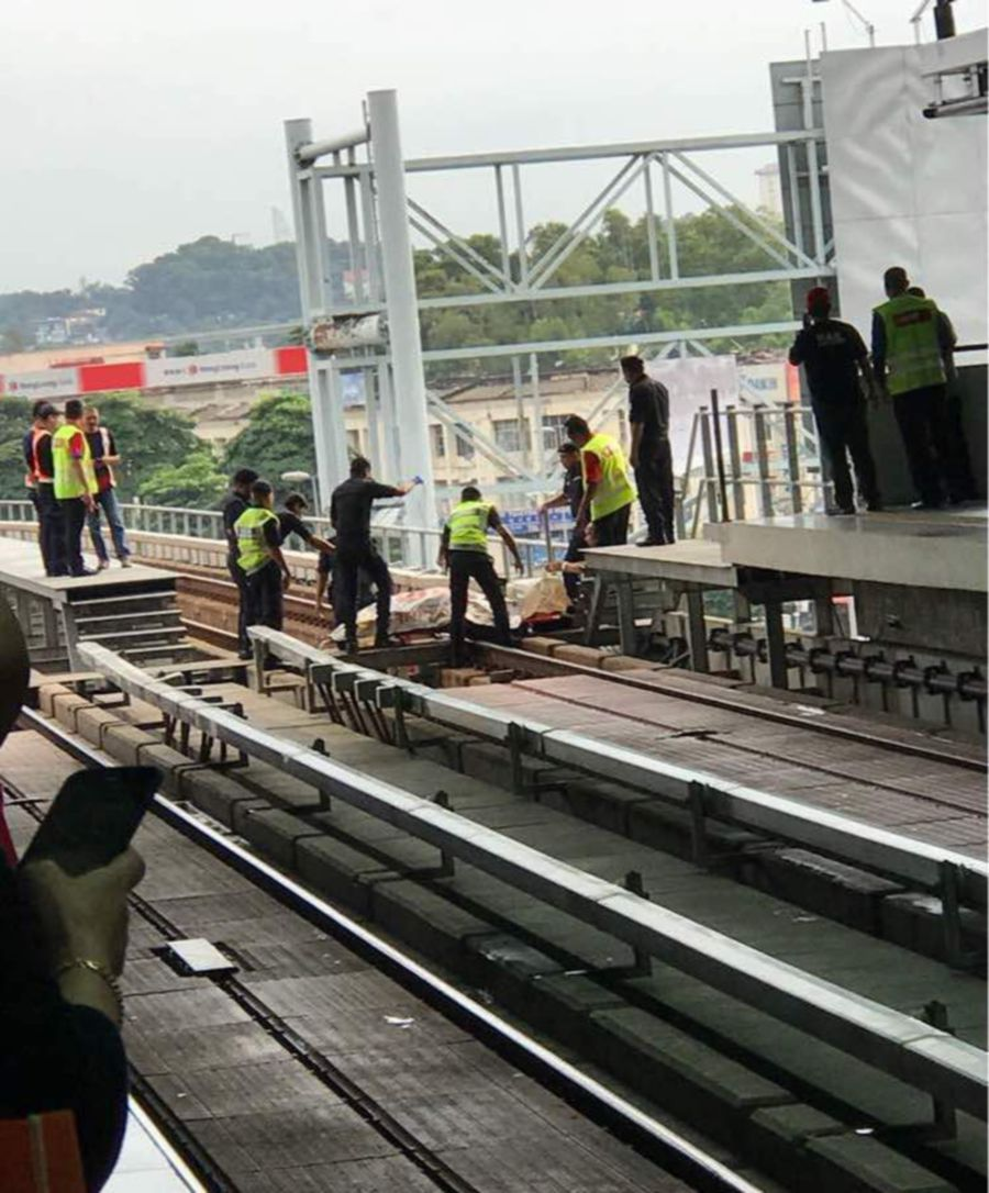 Man descends on tracks, dies after hit by train at Pusat Bandar