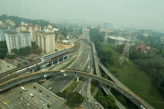 Haze in Petaling Jaya NST/ SURIANIE MOHD HANIF