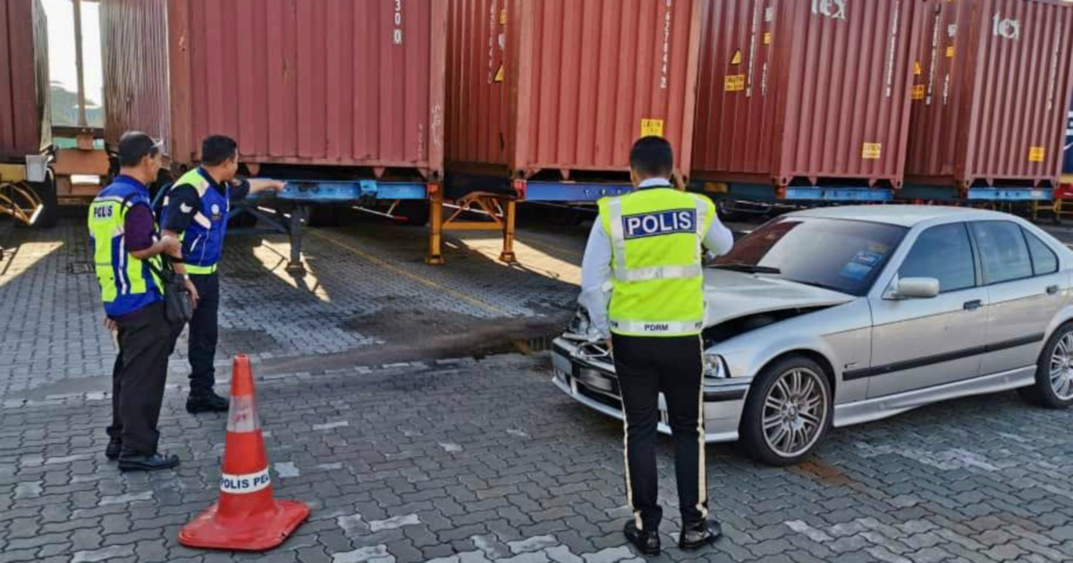 Drunk driver without valid license crashes BMW into Penang lorry