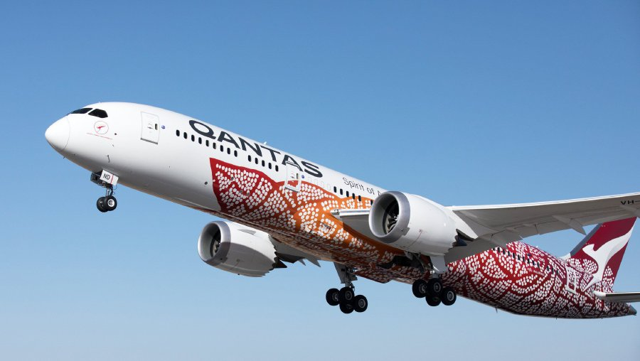 First non-stop Australia-UK flight makes history