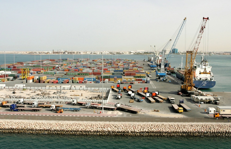 Qatar launches new shipping routes to Oman amid food