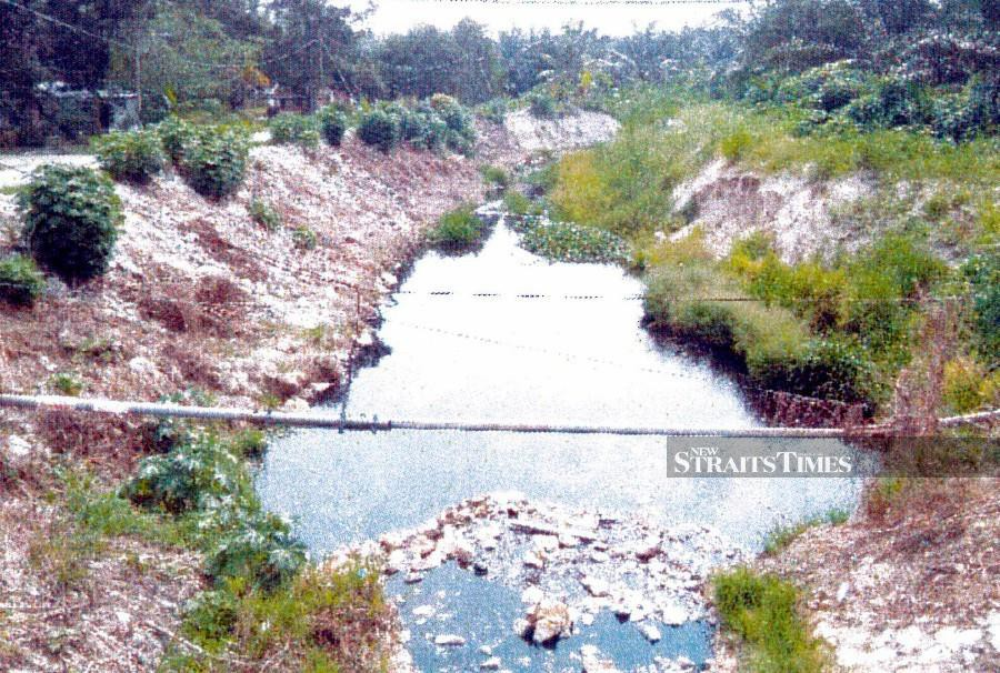 Sungai Raja Hitam has been categorised under Class Four in river water quality and needs extensive treatment. - NSTP/Perak Environmental Department