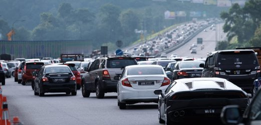 Traffic builds up at major expressways nationwide | New ...