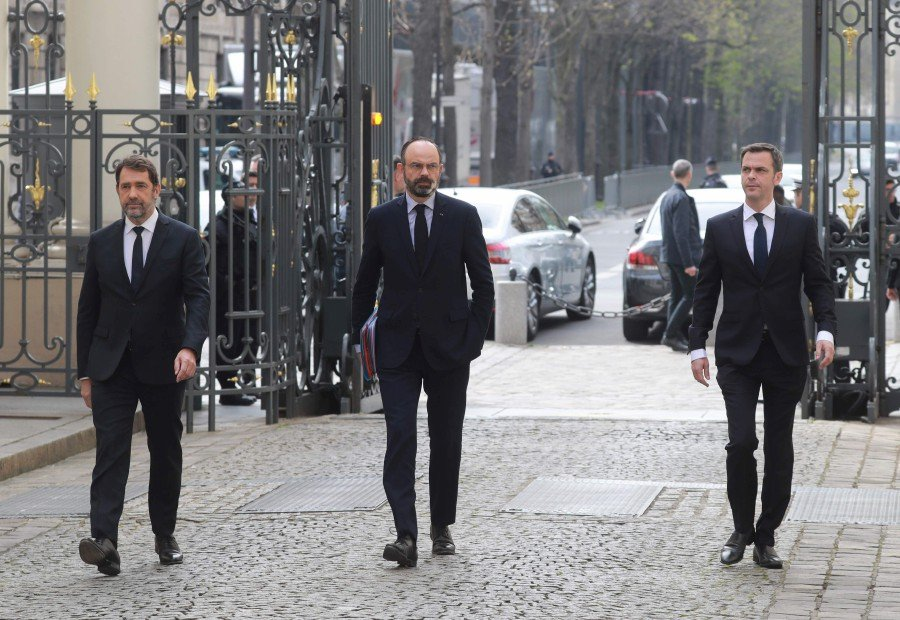 (Left to right) French Interior Minister Christophe Castaner, French Prime Minister Edouard Philippe, and French Health and Solidarity Minister Olivier Veran arrive for a meeting on March 17, 2020 after the order of staying at home to all French citizens comes into effect, in order to avoid the spreading of the novel coronavirus. - AFP pic