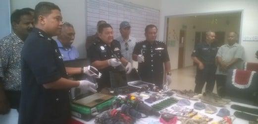 Seven Naked Vietnamese Male Masseurs Arrested  New -7080