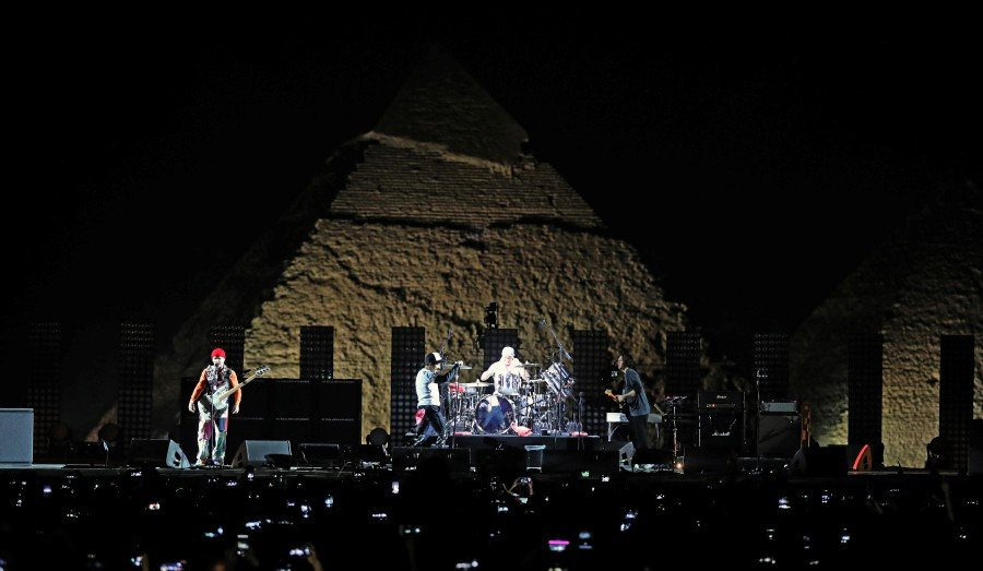 Red Hot Chili Peppers rock Egypt's pyramids