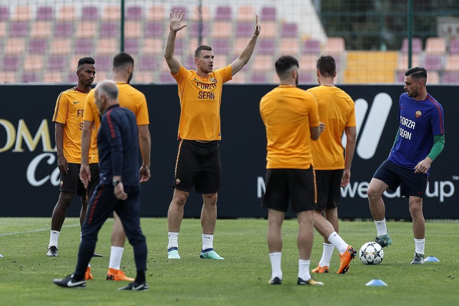 Roma train in 'Forza Sean' t-shirts in tribute to injured Liverpool fan