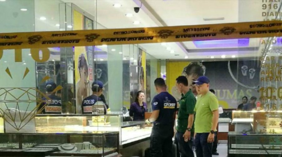 lack-of-security-guard-makes-this-sg-petani-goldsmith-shop-an-easy-target