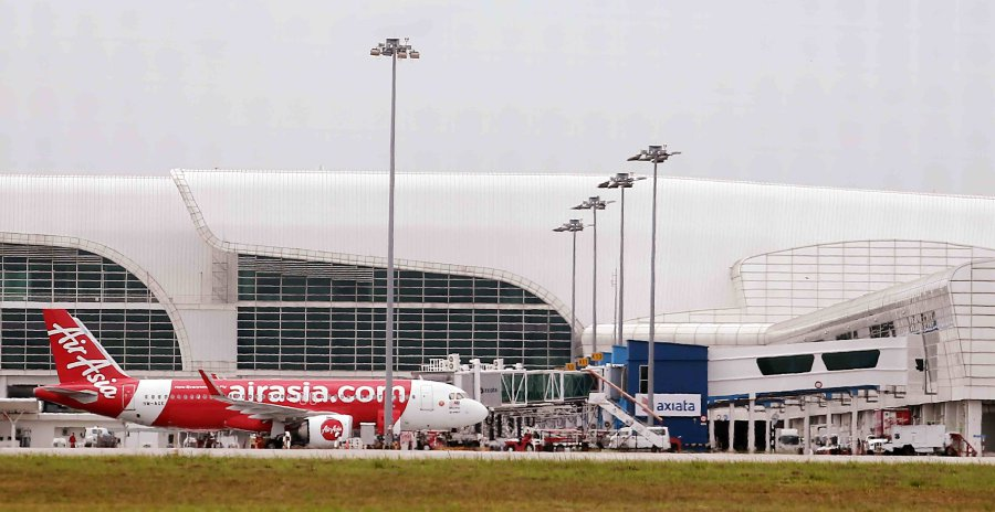 Analysts laud AirAsia's US$30bil Airbus deal   New Straits