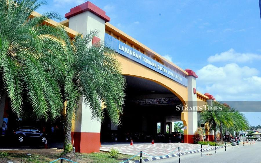 The expansion and upgrading of Sultan Ismail Petra Airport is one of the five projects which has received federal government's approval. -NSTP/File pic