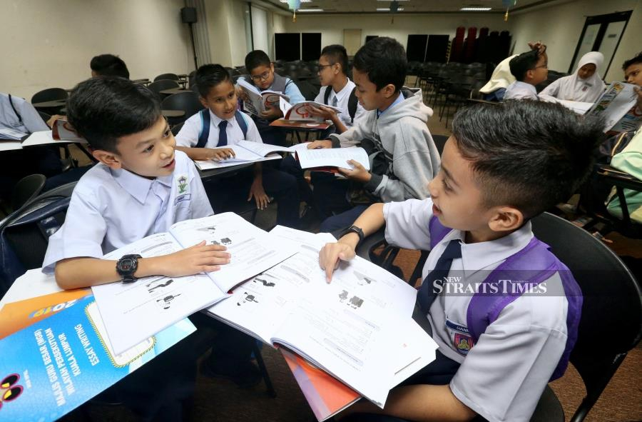 The announcement to teach Science and Mathematics subjects in English must be supported for the betterment of the students and nation, said Parent Action Group for Education (PAGE) chairman Datin Noor Azimah Abdul Rahim. - NSTP/INTAN NUR ELLIANA ZAKARIA.