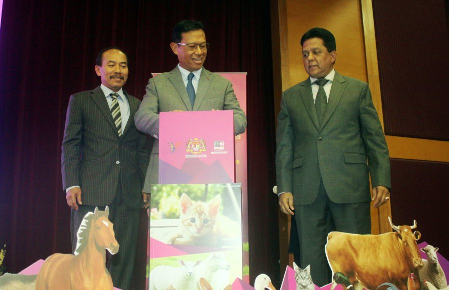 """We have officially implemented the new Animal Welfare Act (Act 772) effective July 1,"" Agriculture and Agro-based Industry Minister Datuk Seri Ahmad Shabery Cheek said. Pic by NSTP/NURSYAHIRAH MARZUKI"