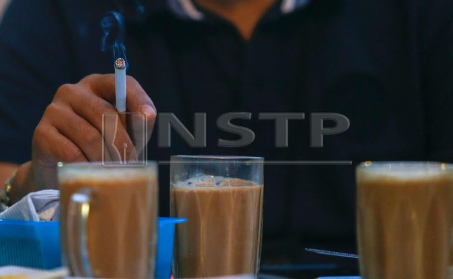 The nationwide smoking bans at all restaurants and eateries will be enforced on Jan 1, 2019. - NSTP/LUQMAN HAKIM ZUBIR