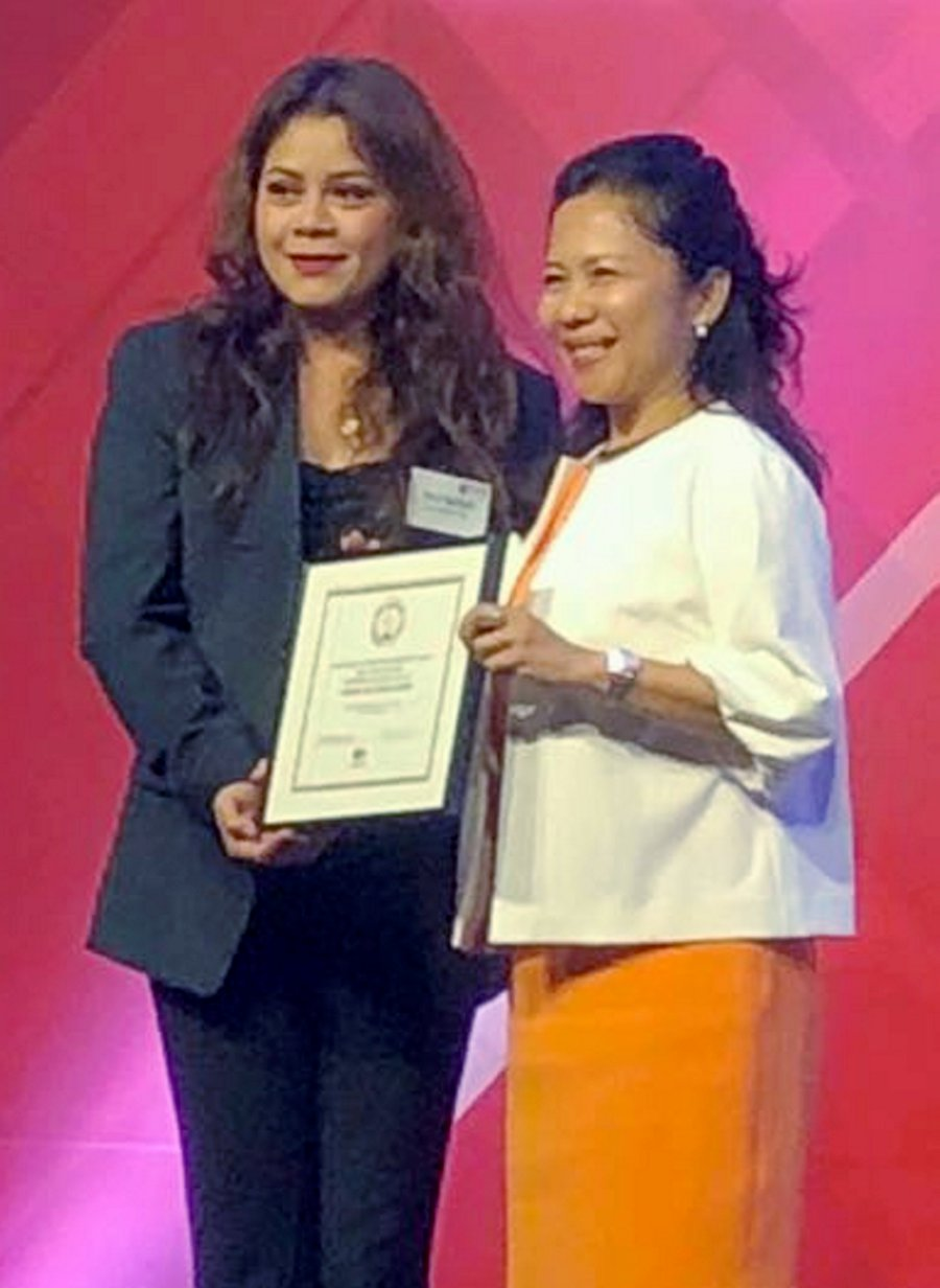 For its headline-grabbing coverage of the 2017 assasination of Kim Jong-nam, the New Straits Times won the coveted Excellence in Breaking News at the Society of Publishers in Asia (SOPA) awards in Hong Kong. The NST was represented by Associate Editor (Current Affairs) Farrah Naz Karim (left), who heads the newspaper's Special Probes Team.— NSTP/EMAIL