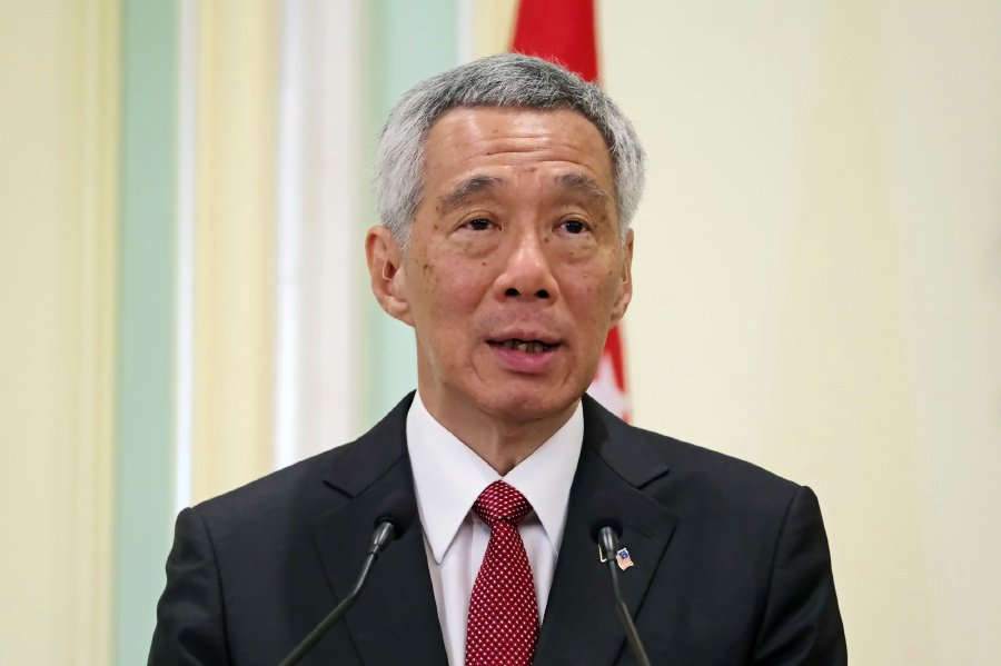 Singapore PM's wife takes to FB, defends husband's RM6 6