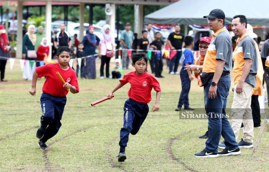 Senior Defence Minister Datuk Seri Ismail Sabri Yaakob said the guidelines will include face-to-face sports and co-curricular activities including practical outside the classroom for Physical and Health Education and Sports Science subject. - NST/file pic