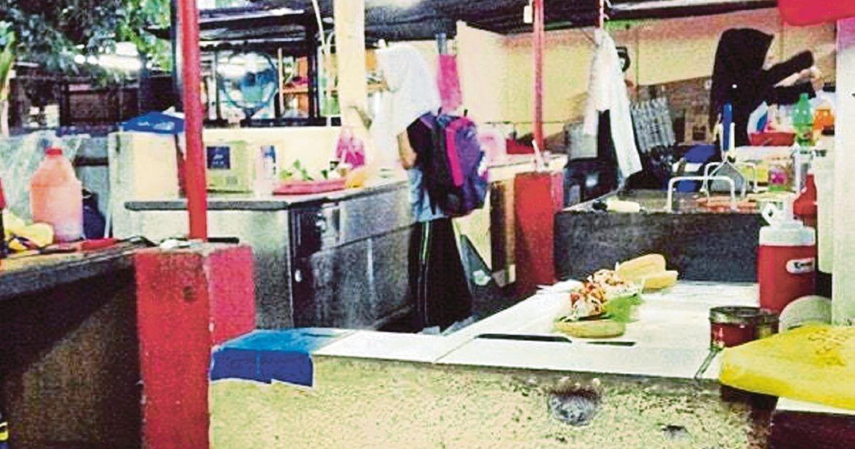 Customer can't stomach dirty PJ food stall
