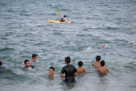 Terengganu Introduces Its First 39 Swimming Pool In The Sea 39 New Straits Times Malaysia